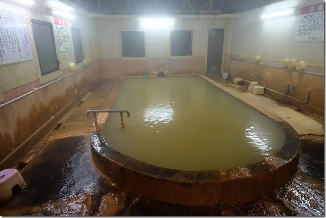 夜中の筌の口温泉の共同浴場
