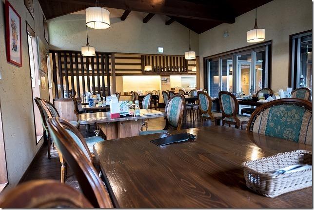 食事処「陶農レストラン清旬の郷」の店内