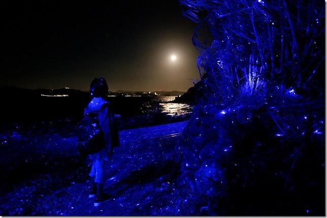 伊王島アイランドルミナ、海岸と月