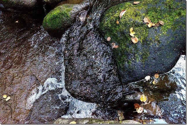 マゼノ渓谷の水