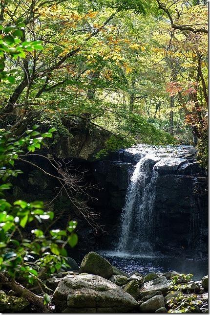 マゼノ渓谷(マゼノ滝の滝壺)