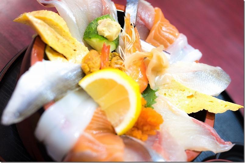 長崎「てっぺん」でランチの海鮮丼
