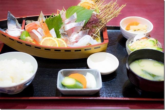 海鮮うまいもん屋「てっぺん」のお刺身定食