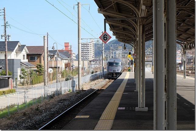 門司駅と特急「きらめき」