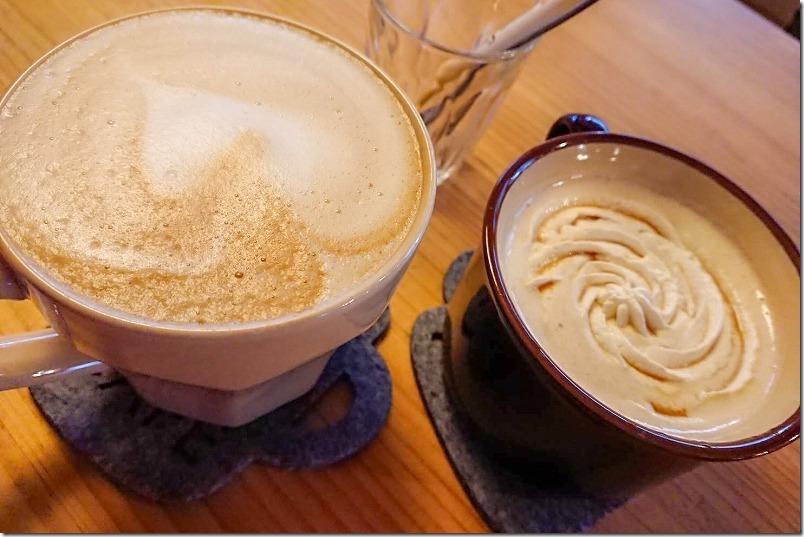 あかり珈琲のホットカフェラテ・ウインナーコーヒー