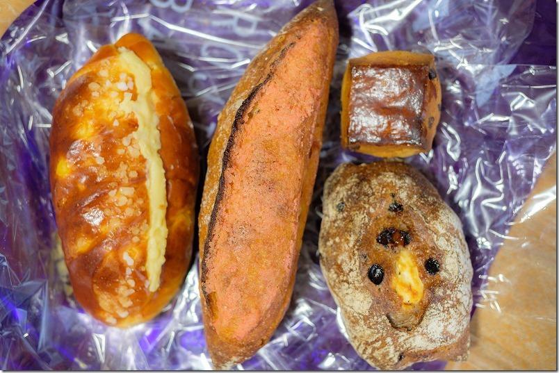 ロヂウラベーカリー (ROJIURA BAKERY)で買ったパン