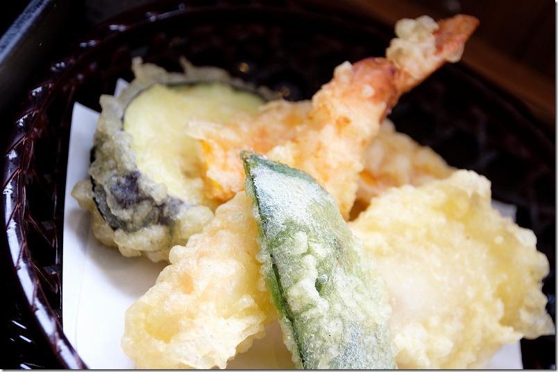 「つやざき漁港食堂」空と海、天ぷら