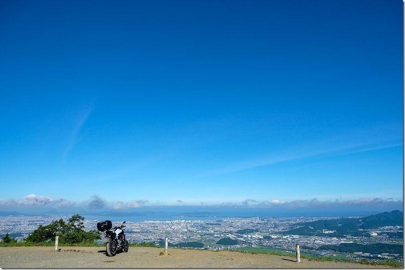 快晴の米山展望台から志賀島方面を見下ろす