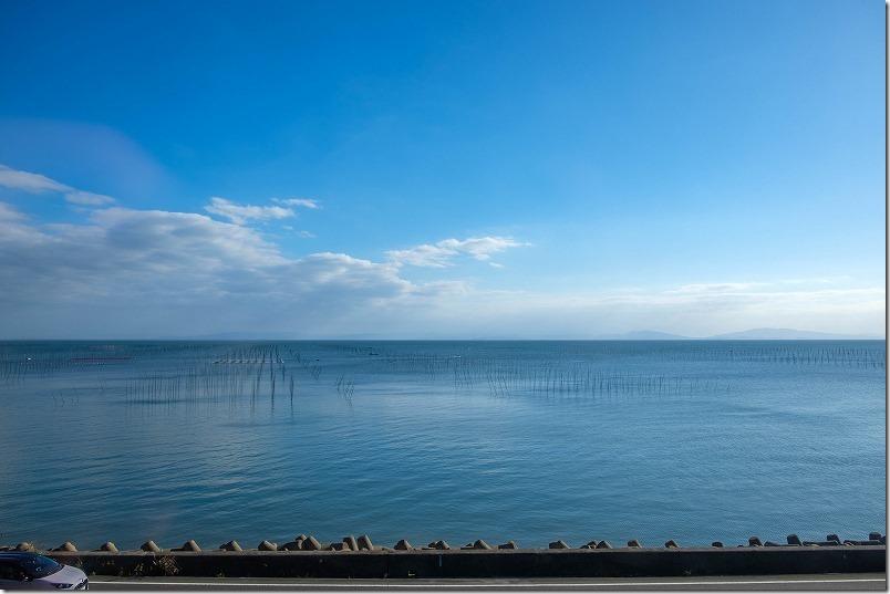 肥前鹿島駅から諫早駅の「かもめ」からの車窓、有明海