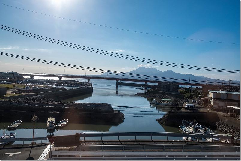 肥前鹿島駅から諫早駅の「かもめ」からの車窓、雲仙