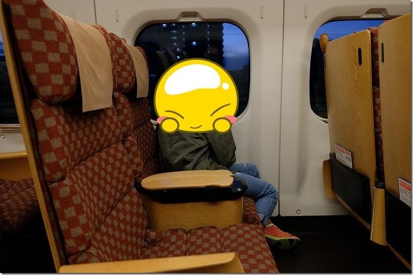 800系九州新幹線の車内