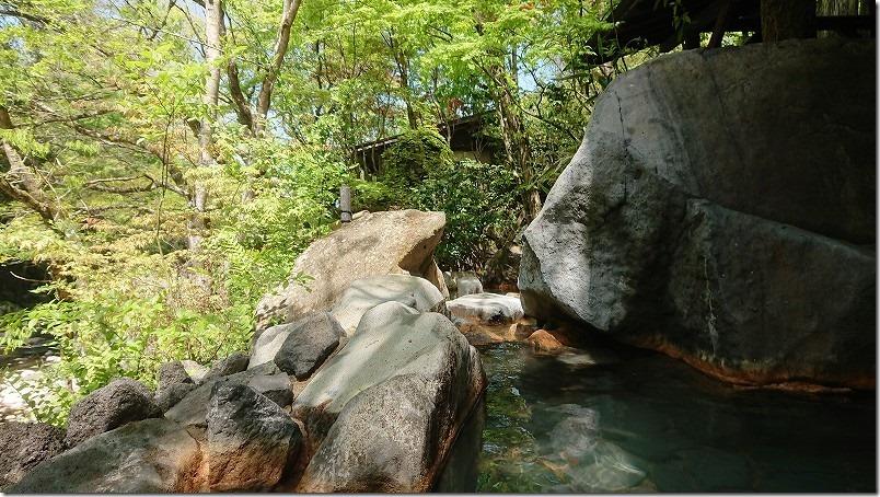 琴平温泉の露天風呂、日田