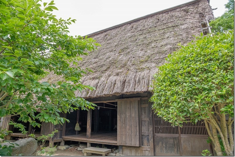 宮地嶽神社の合掌造りの古民家
