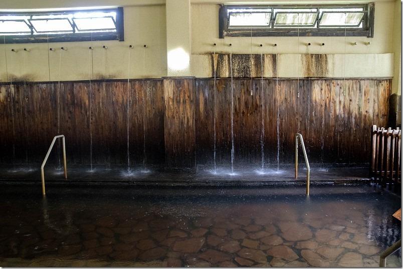 筋湯温泉「うたせ湯」のうたせ、泉質