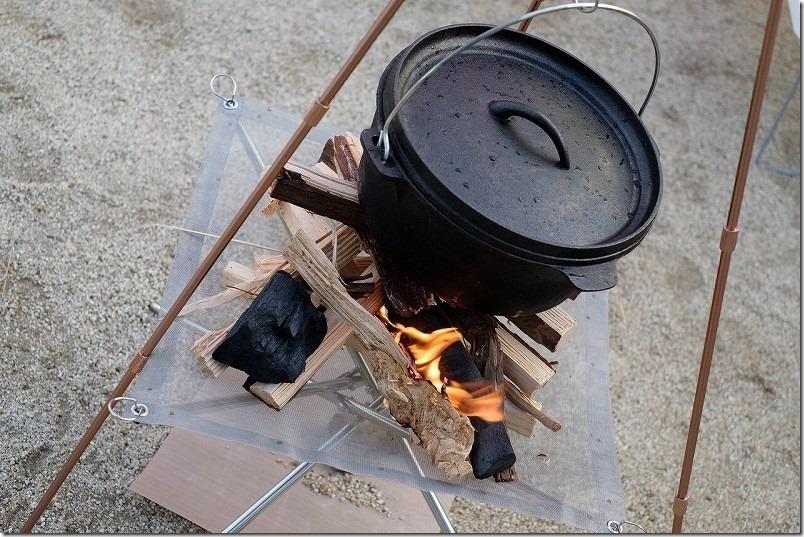 阿蘇・火の国ドッグランのオートキャンプ場で焚き火とダッチオーブン